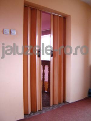 Usi culisante interior cu geam mat