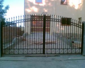 Amenajari exterioare* garduri-porti