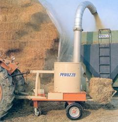 Tocator baloti paie - fan TR600 - tractor