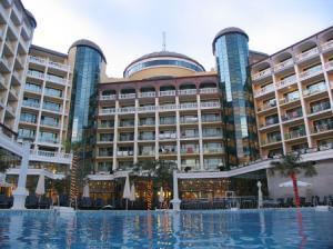 Vara 2010 Bulgaria Sunny Beach Hotel Planeta 4*  - Mic dejun/demipensiune/all inclusive