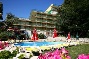 Vara 2010 Bulgaria Nisipurile de Aur Hotel Gradina 3* / Mic dejun