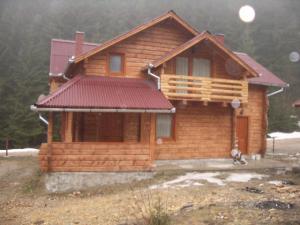Cabane din lemn masiv calibrat si chertat:Magura 1