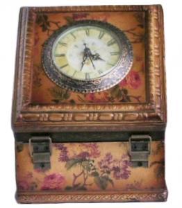 Ceas in cutie din lemn